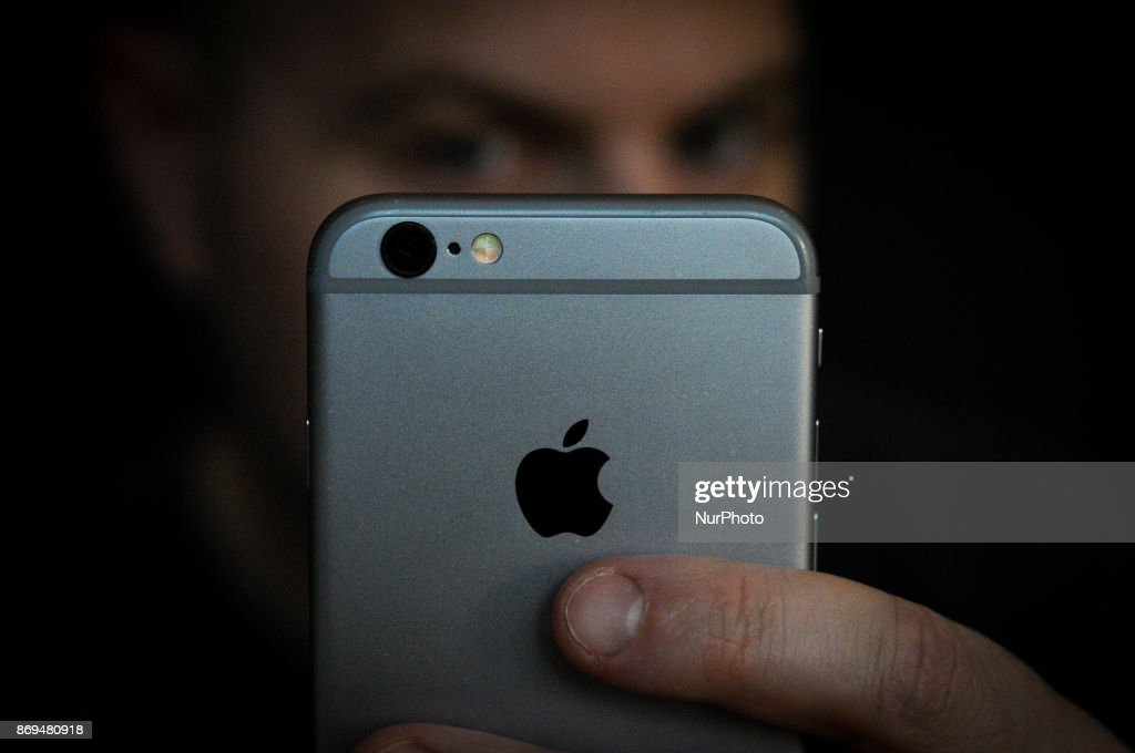 Privacy concerns around iPhone X facial recognition : News Photo