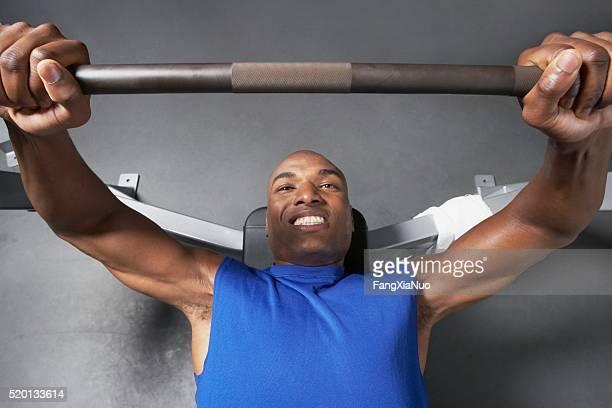 Mann, Gewichtheben