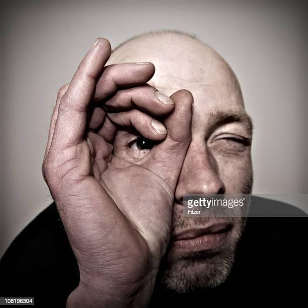男性スルーホールで作られた指