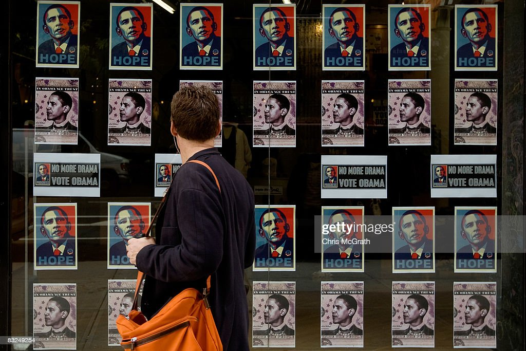 Obama Street Art Surfaces In NYC Ahead Of The Election : News Photo