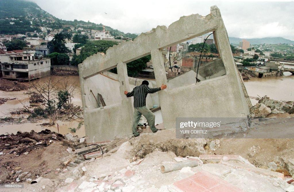 YER98-HONDURAS-MITCH-HOUSE : News Photo