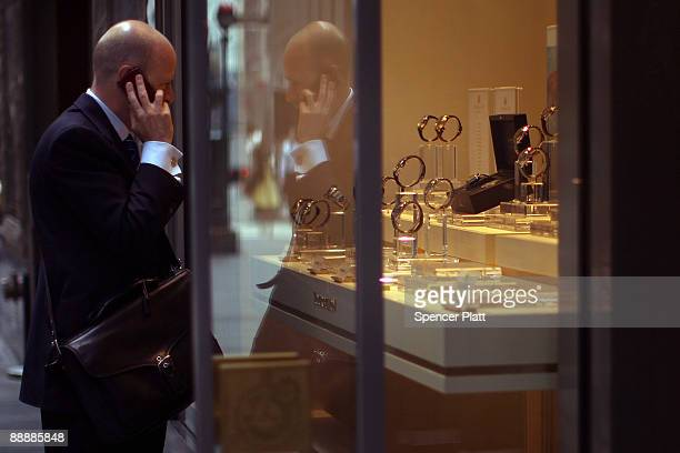 A man looks in the window of a jewelry store on July 7 2009 in New York City Like many other luxury industries 2009 has been one of the worst years...