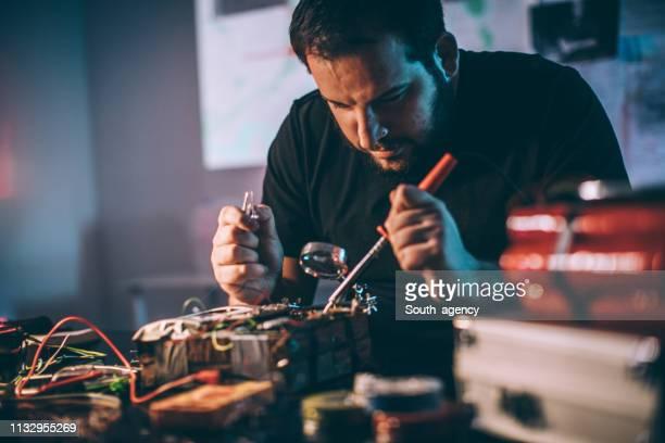 Man making time bomb