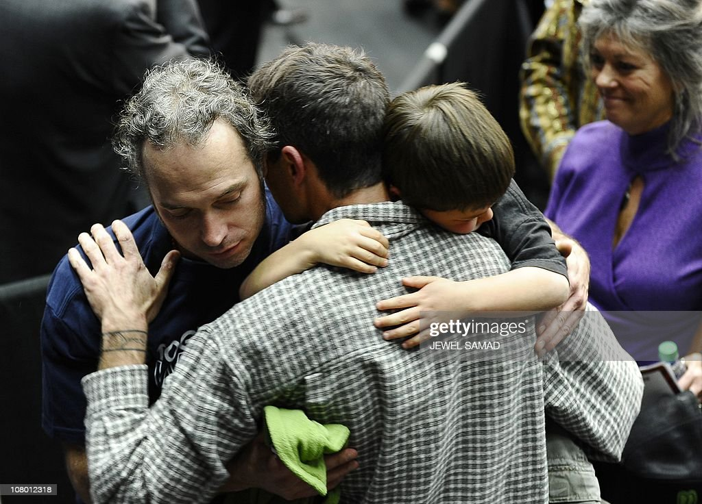 A man mourns as US President Barack Obam : News Photo