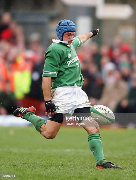 Man of the Match David Humphreys of Ireland in action during the RBS Six Nations Championship match between Ireland and France at Lansdowne Road...
