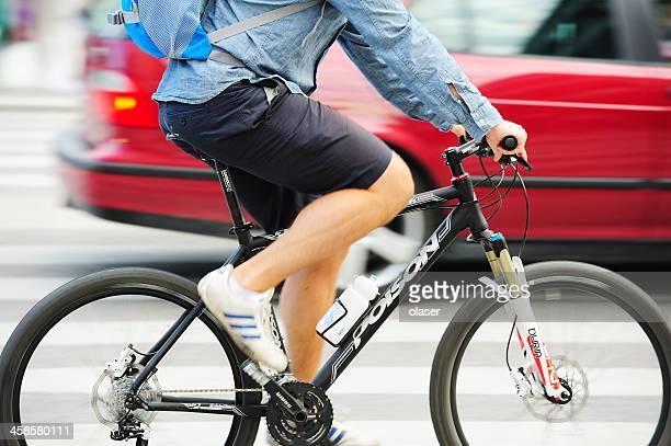 Mann auf Fahrrad im Profil