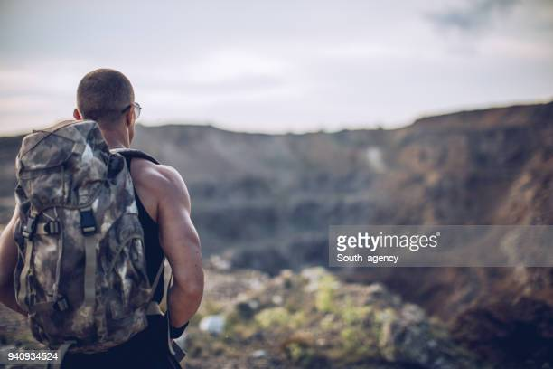 man on the mountain - military training stock pictures, royalty-free photos & images