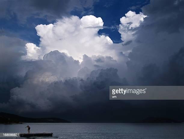 リモコいかだの嵐雲