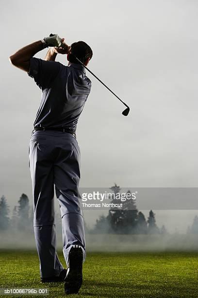 マンプレイーイングゴルフ、背面ビュー