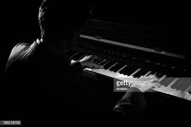 Man spielt Klavier