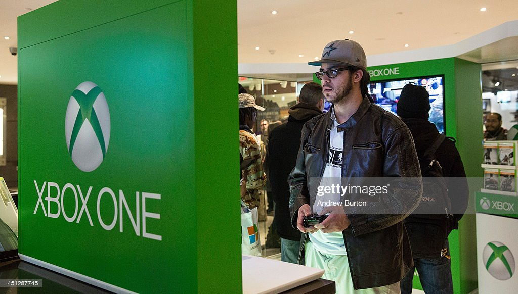 Mirosoft's New X-Box Holds Midnight Sales Launch In New York's Times Square : News Photo