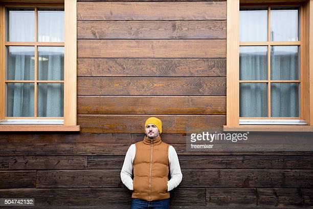 Mann posieren in Warme Kleidung
