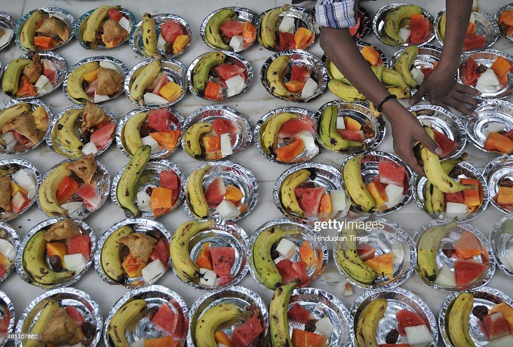 Great India Eid Al-Fitr Food - man-prepares-iftar-on-the-eve-of-eid-alfitr-the-last-day-of-the-holy-picture-id481107862?k\u003d6\u0026m\u003d481107862\u0026s\u003d612x612\u0026w\u003d0\u0026h\u003dG3EYg_AvUnF9r2nRcwyaCYSOeQt4AJWyg45Hw69Rnm8\u003d  You Should Have_249943 .com/photos/man-prepares-iftar-on-the-eve-of-eid-alfitr-the-last-day-of-the-holy-picture-id481107862?k\u003d6\u0026m\u003d481107862\u0026s\u003d612x612\u0026w\u003d0\u0026h\u003dG3EYg_AvUnF9r2nRcwyaCYSOeQt4AJWyg45Hw69Rnm8\u003d