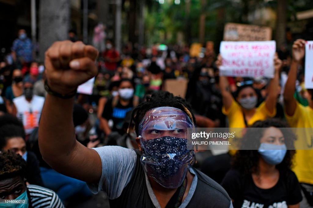 BRAZIL-HEALTH-VIRUS-POLICE-VIOLENCE-RACISM-PROTEST : News Photo