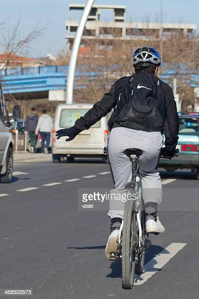 Mann auf Fahrrad in Ankara City