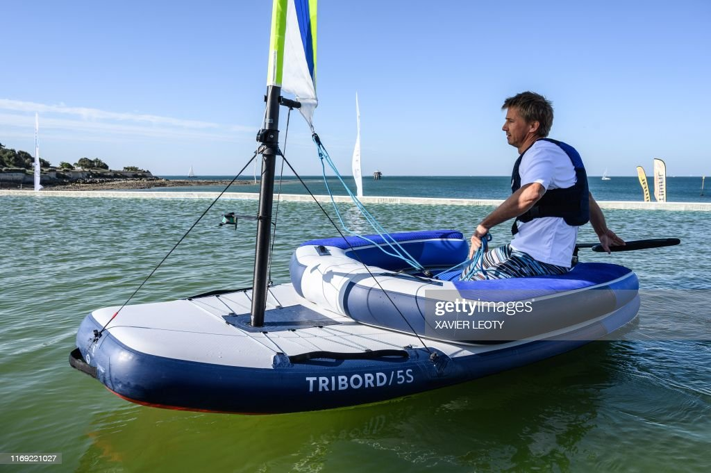 A Man Sails In A Tribord 5s De Decathlon During The Grand Pavois Photo D Actualite Getty Images