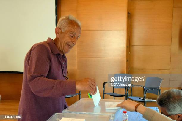 EL VENDRELL TARRAGONA SPAIN A man seen voting for the European deputies and for the mayoralty of the city of El Vendrell Catalonia Spain during the...