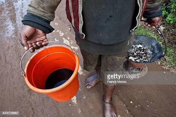 Man selling coffee ( Madagascar)