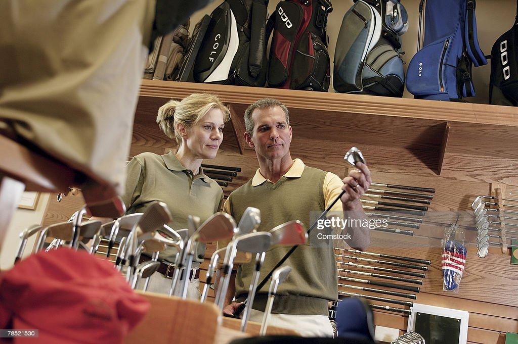 初心者が最初に購入するゴルフクラブ、おすすめのセット内容は?