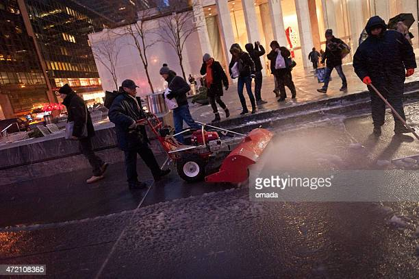 man shovelling snow - nyc - road salt stock pictures, royalty-free photos & images