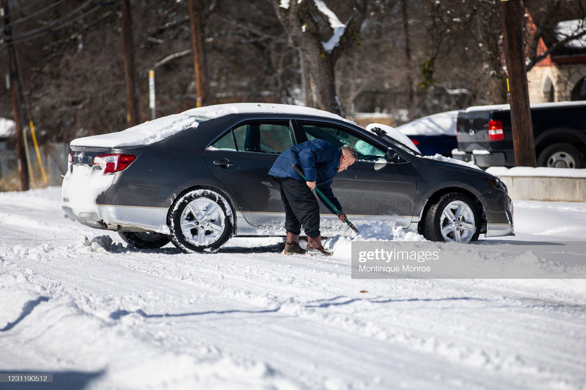 Winter Storm Uri Brings Ice And Snow Across Widespread Parts Of The Nation : Fotografía de noticias