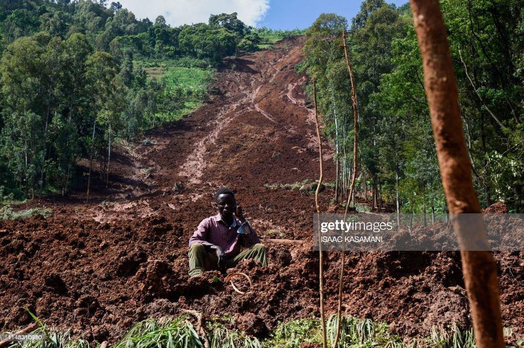TOPSHOT-UGANDA-DISASTER-LANDSLIDE : News Photo