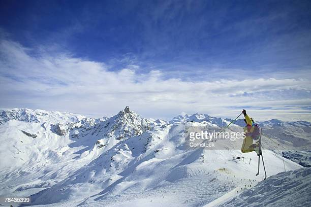 man skiing in courchevel , france - trois vallees stock pictures, royalty-free photos & images