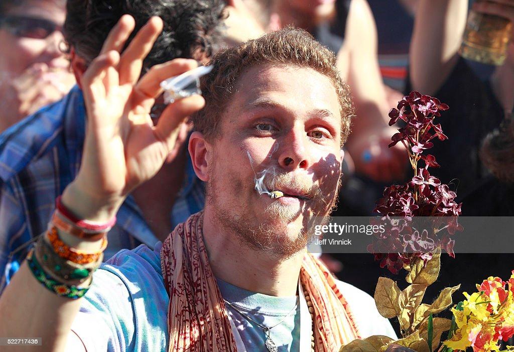 Marijuana Smokers Celebrate The Plant's Unofficial 4/20 Holiday : News Photo