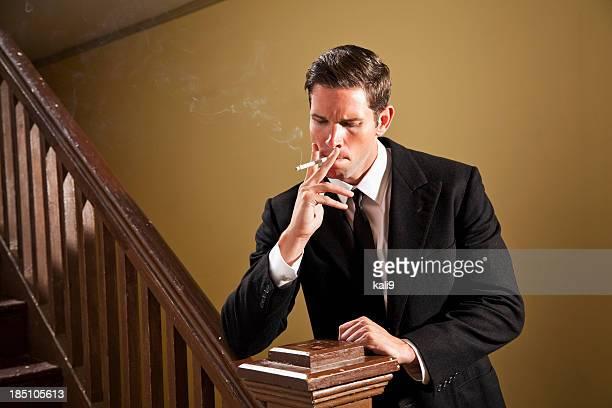 男性喫煙タバコ