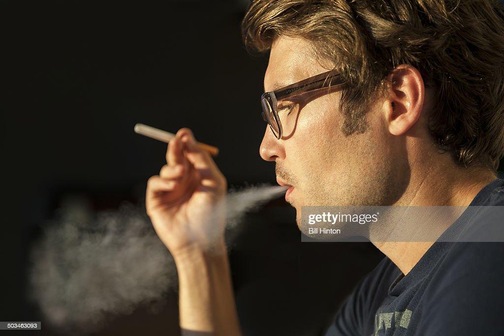 E-cigarettes Culture : News Photo