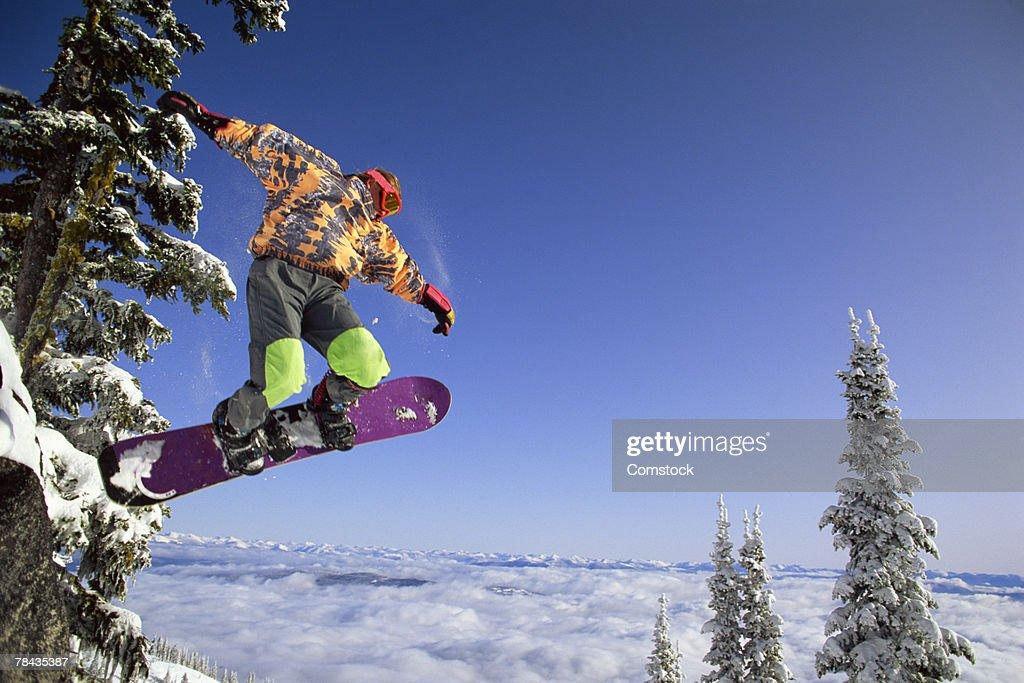 Man snowboarding in British Columbia , Canada : Photo