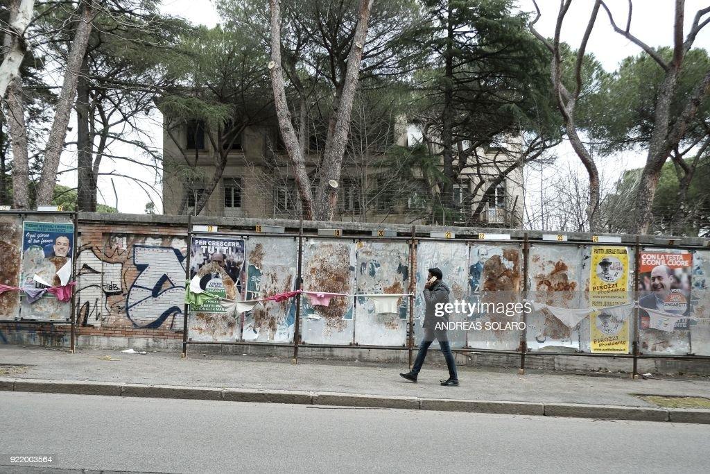 ITALY-VOTE : News Photo
