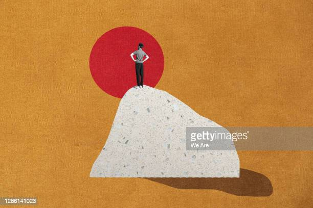 man standing on top of mountain - montage photos et images de collection