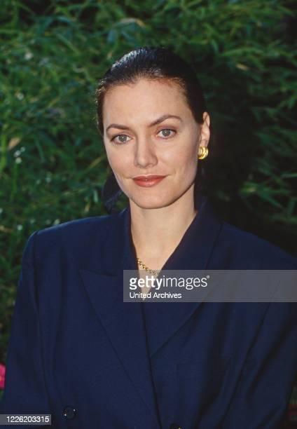 Man sucht Frau, Fernsehfilm, Deutschland 1995, Regie: Vivian Naefe, Darsteller: Maja Maranow