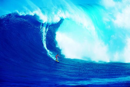 Man Surfing - gettyimageskorea
