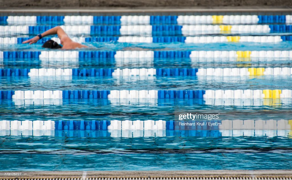Man Swimming In Pool : Photo