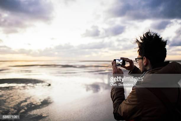 Homme de prendre une photo