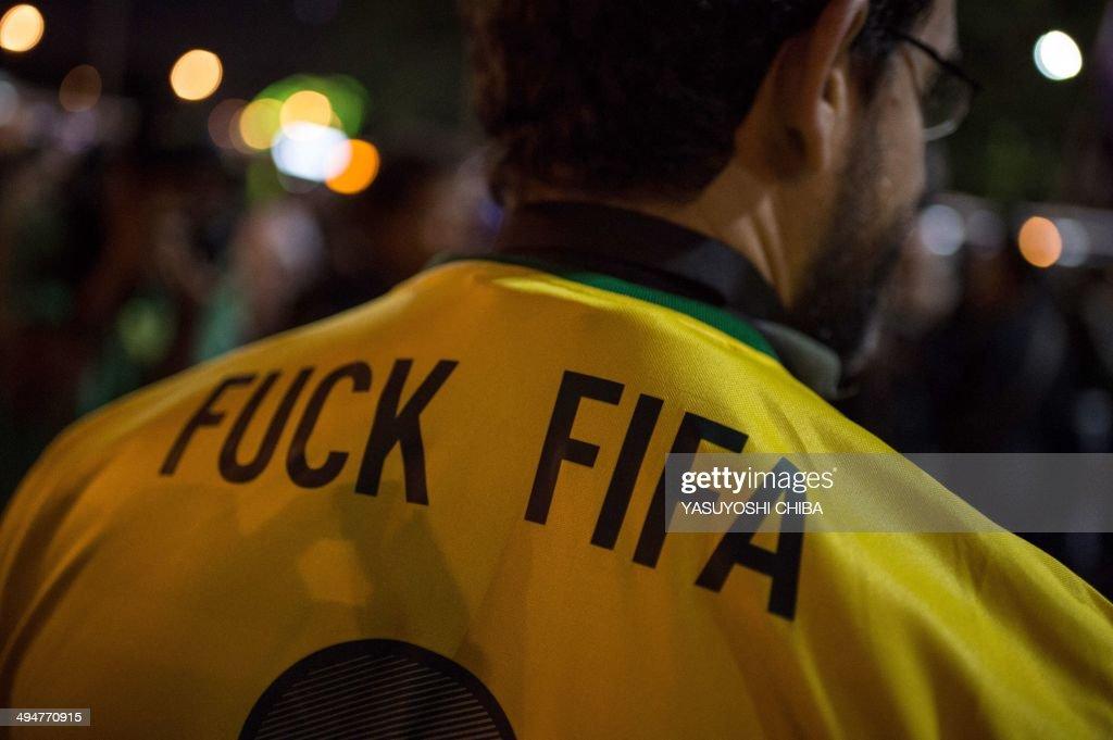 FBL-WC-2014-BRAZIL-PROTEST : News Photo