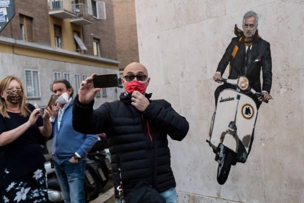 ITA: A Mural Dedicated To The New Roma Coach Mourinho