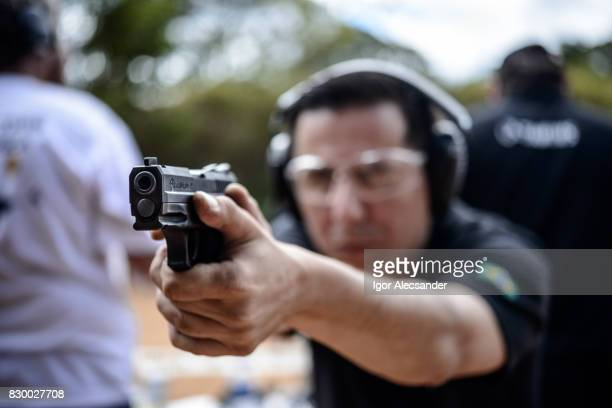 Man opleiding schieten