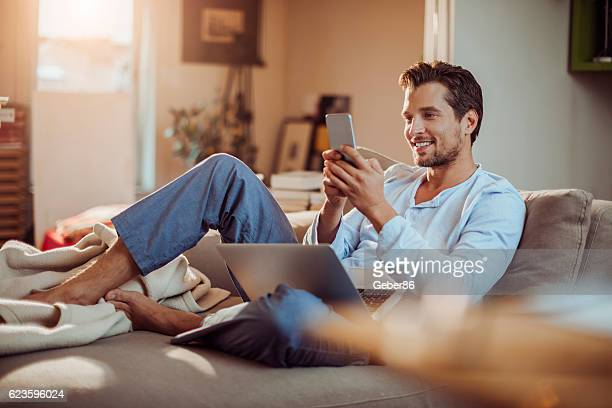 man using a phone - love at first sight stock pictures, royalty-free photos & images