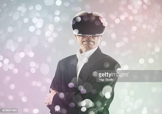 Mann mit virtual-reality-headset