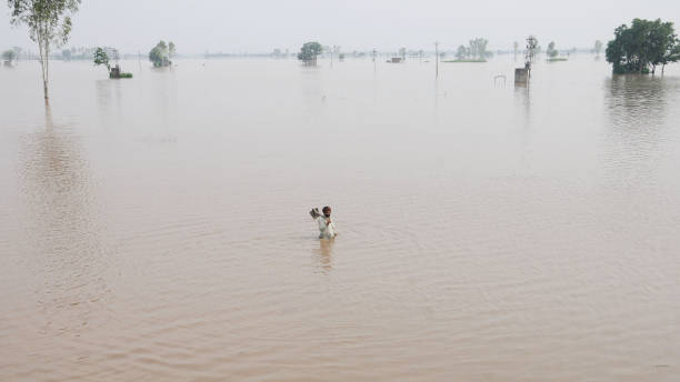 IND: Ghaggar River Breaches Banks In Sangrur; Army, NDRF Called In To Plug Gap