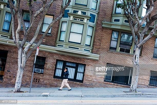 man walking along the streets of san francisco, changed perspective - tilt stock pictures, royalty-free photos & images