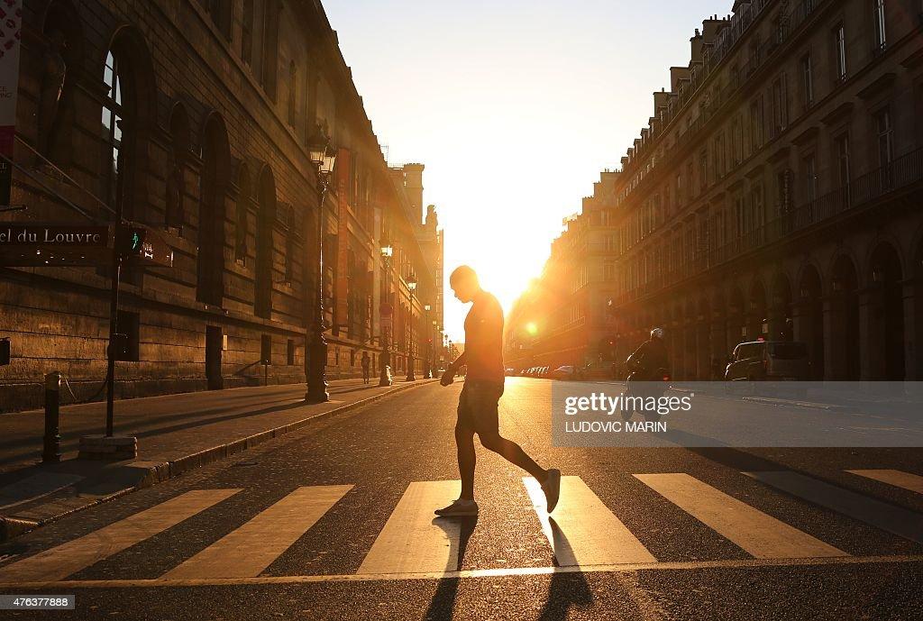 PARIS-FEATURE : News Photo