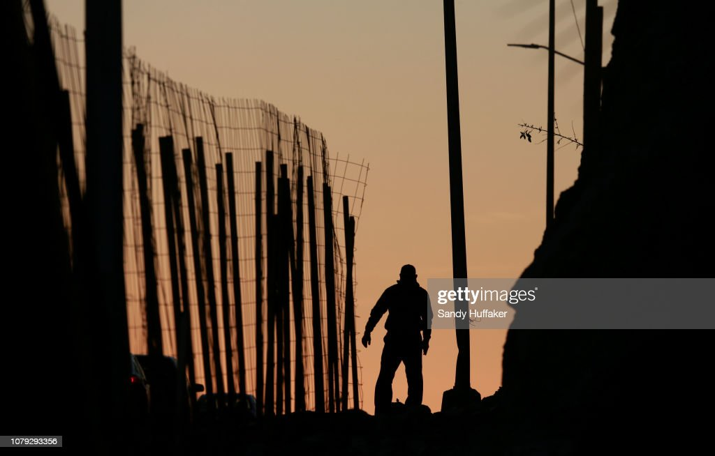 Border Wall On US Mexico Border Continues To Be Sticking Point Driving Government Shutdown Into Its Third Week : News Photo
