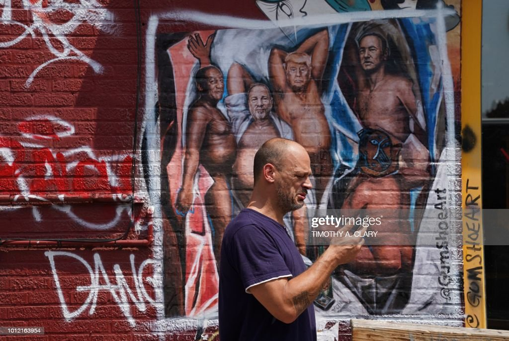 US-POLITICS-ART-GRAFFITI-HARASSMENT : News Photo