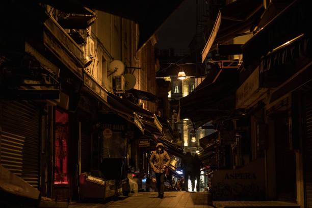 TUR: Turkey Imposes Weekday Curfew Amid Coronavirus Surge