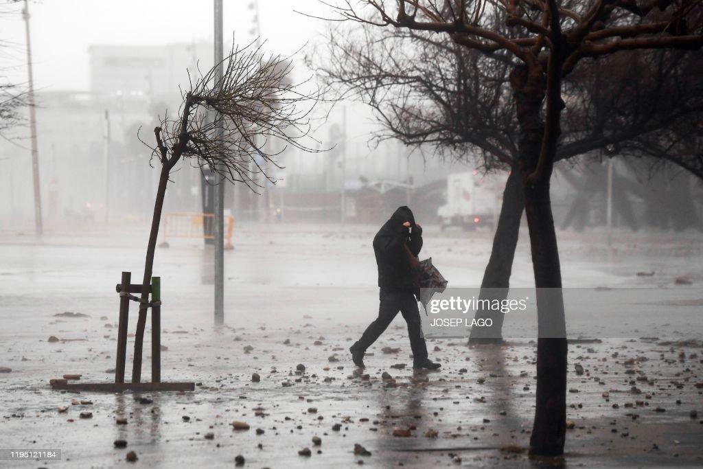 SPAIN-WEATHER-CLIMATE-STORM-GLORIA : Foto di attualità