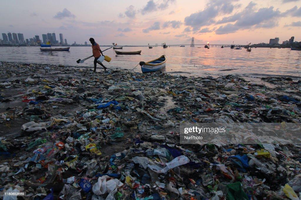 Daily Life in Mumbai : News Photo